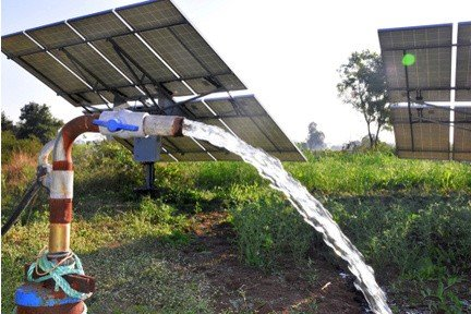 solar powered water pump with solar panels
